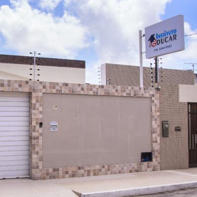 <p>Fachada da nova sede do Instituto Educar, em Aracaju, comprada com recursos pr&oacute;prios.</p>