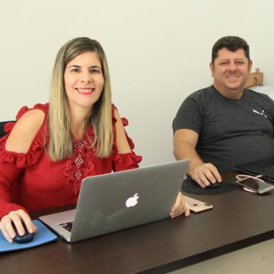 <p>Diretores do Instituto Educar: Raquel Figueir&ocirc;a e F&aacute;bio Figueir&ocirc;a.</p>
