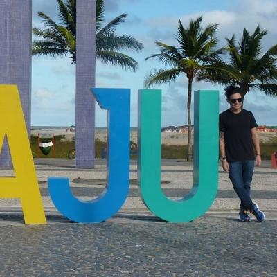 <p>Yudi desembarcando em Aracaju.</p>